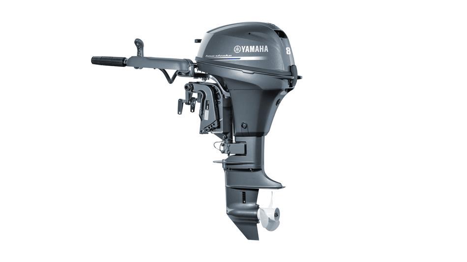 2017-Yamaha-F8-EU-NA-Studio-002